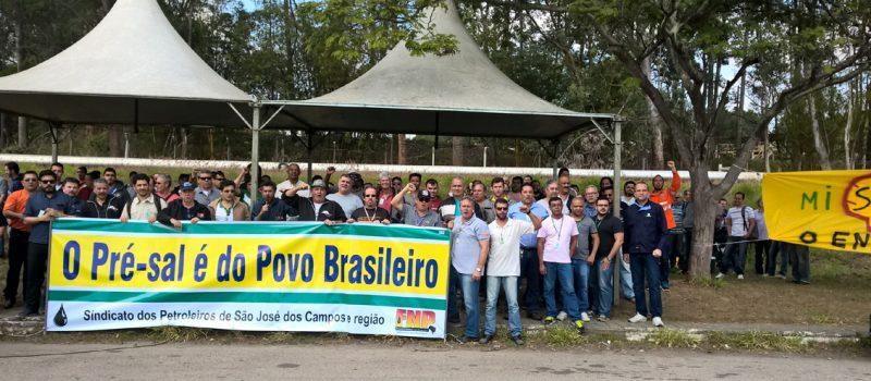 Caravana Unitária de Lutas dos petroleiros do Estado de São Paulo realiza atraso de 3h na Revap